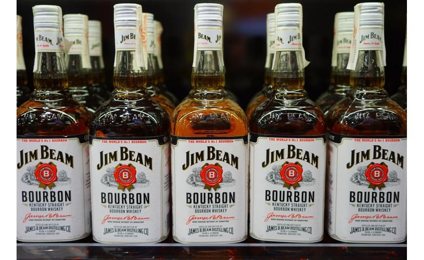 Nietypowe mieszanki whisky – co możemy znaleźć w ofercie producentów?